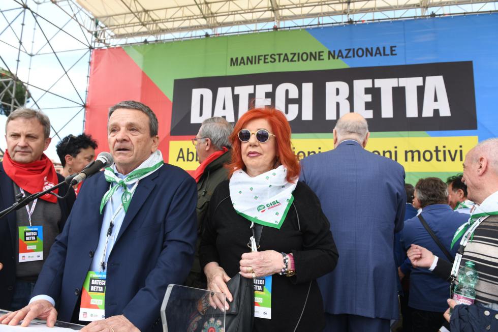 I pensionati di nuovo in Piazza per  sostenere la piattaforma sindacale unitaria e contro i tagli alle pensioni